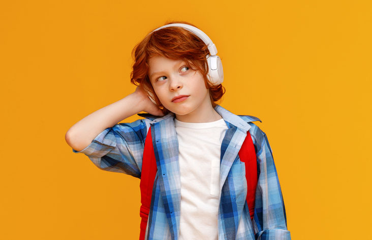 3D Learner K-12 learning support - boy with headphones